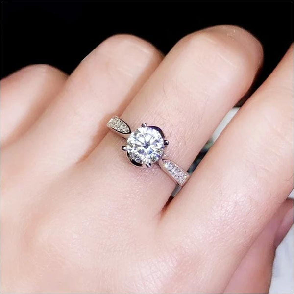 Silver Solitaire 1 Carat Moissanite Engagement Ring - Luxus Moissanite Engagement Rings
