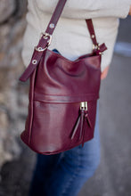 Load image into Gallery viewer, Sporty Bucket Bag