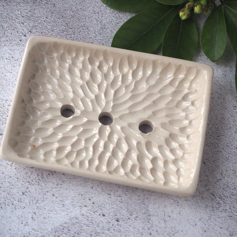 Soap Daze Soap dish with bar of soap in