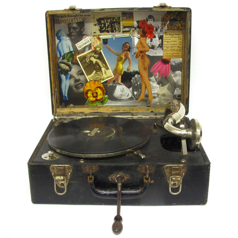 1920's Wind Up Picnic Record Player