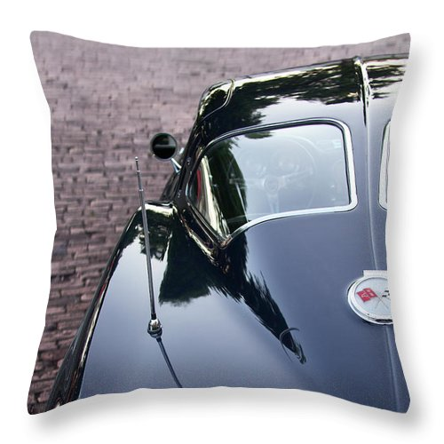 63 Split Window Corvette Throw Pillow - SEVENART STUDIO