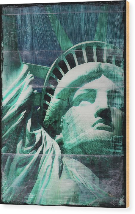 Lady Liberty - Wood Print - SEVENART STUDIO