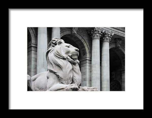 New York Lion - Framed Print - SEVENART STUDIO