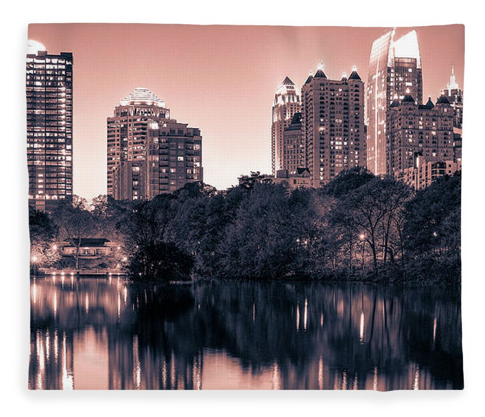 Reflecting Atlanta - Blanket - SEVENART STUDIO