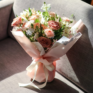 Signature bouquet (bespoke) - Kesed creates
