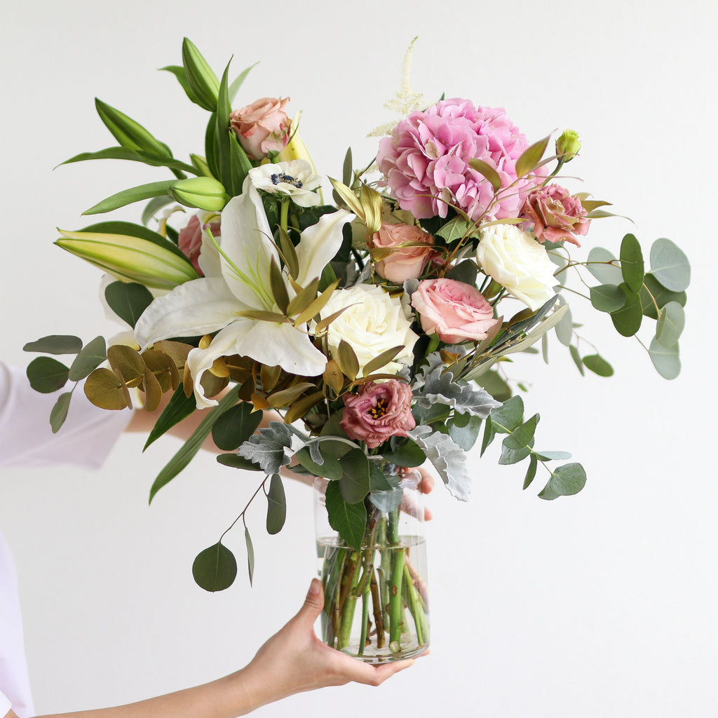 Lilies, Bouquet - Kesed creates