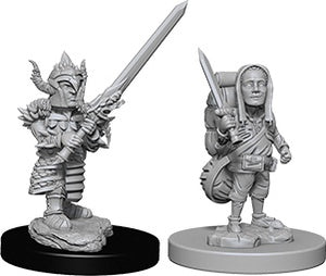 Nolzur's Marvelous Unpainted Miniatures: Male Halfling Fighter (73386)