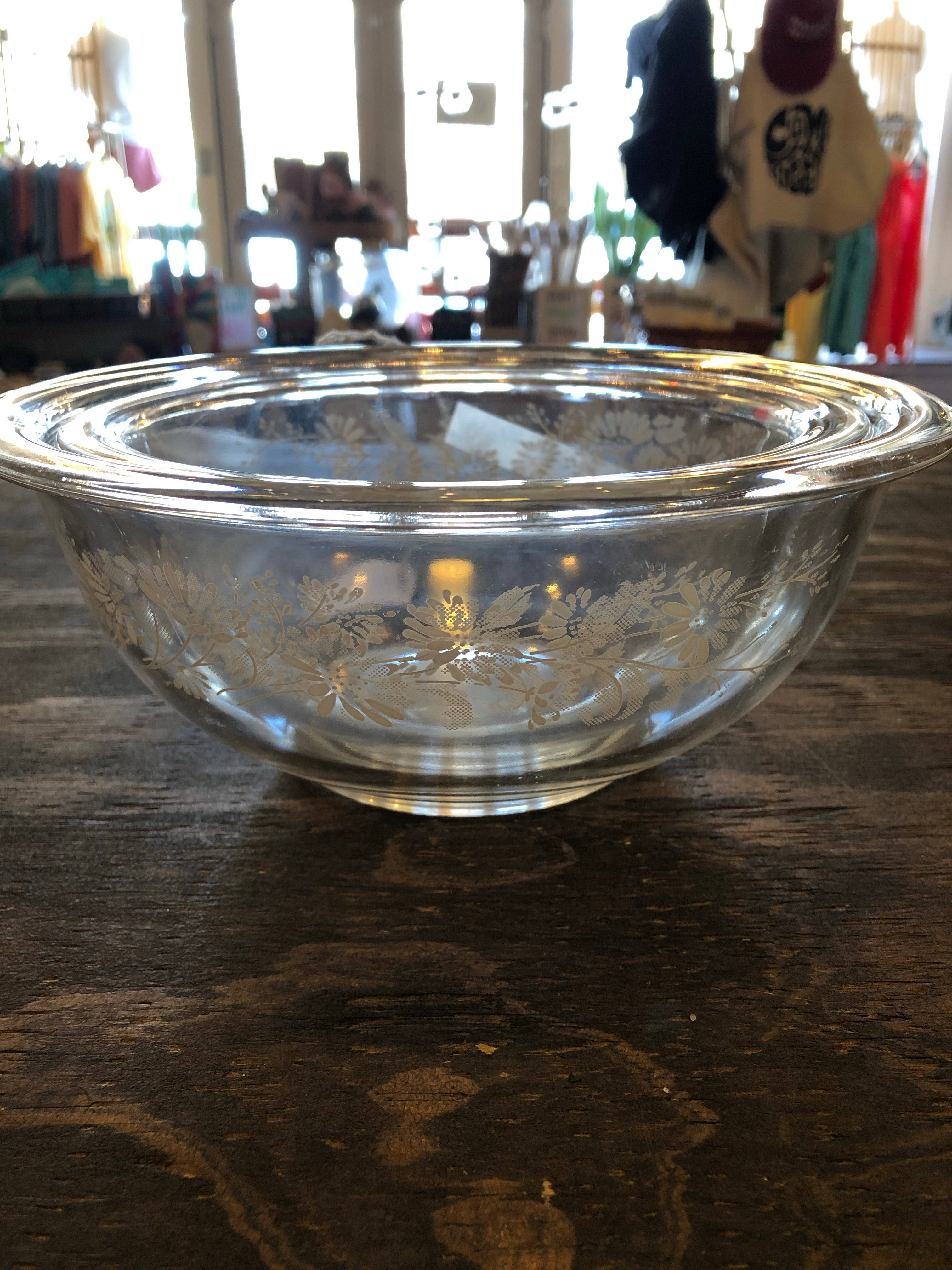 Daisy Pyrex Bowls (Set of 2)