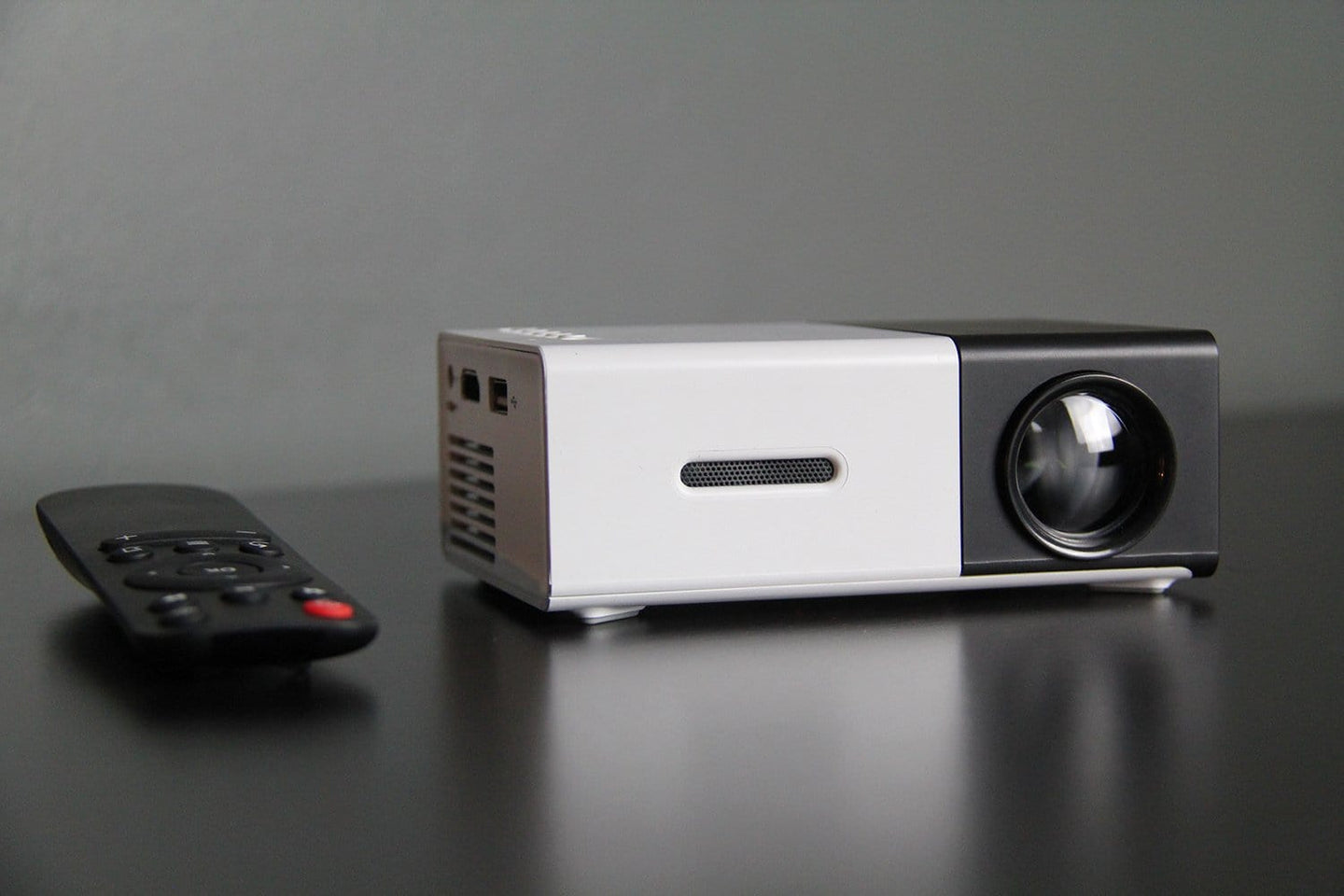Portaflixx™ Pocket Projector
