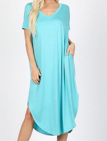 V-NECK SHORT SLEEVE ROUND HEM DRESS WITH SIDE SLITS AND POCKETS