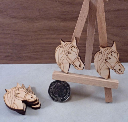 Etched Plywood Horse Head Shape - 4 cm