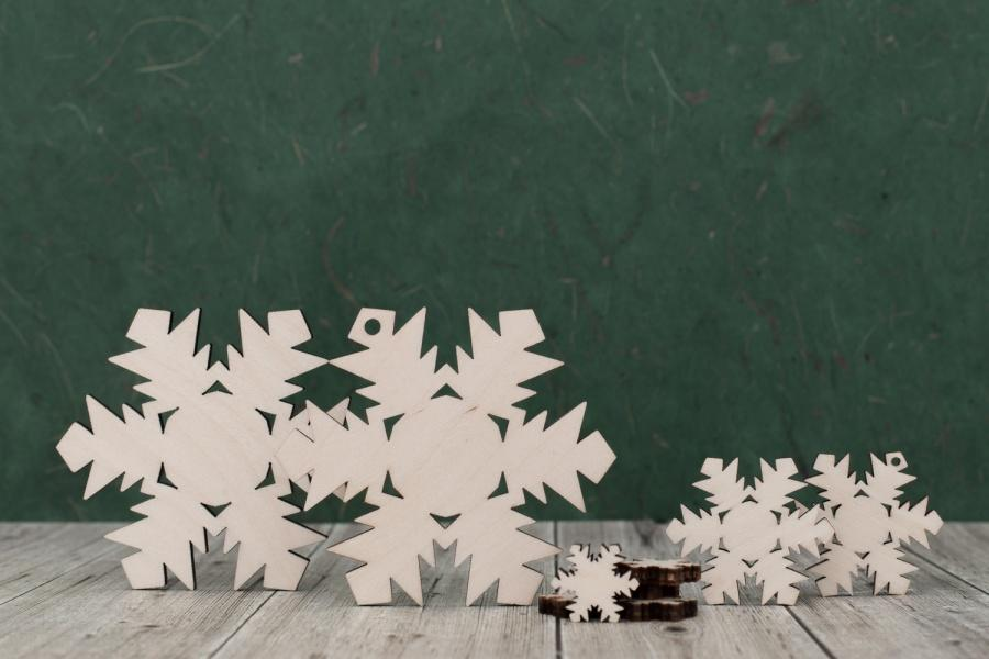 Plywood Snow Flake Cut Outs