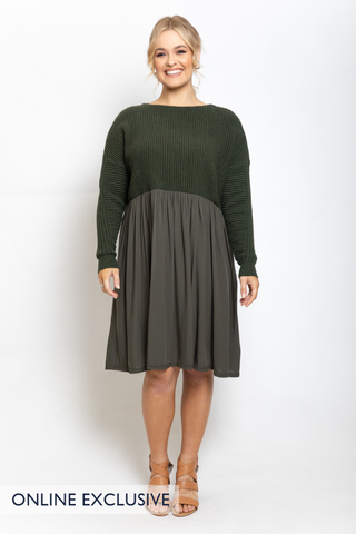 Away Knit Dress in Forest Green
