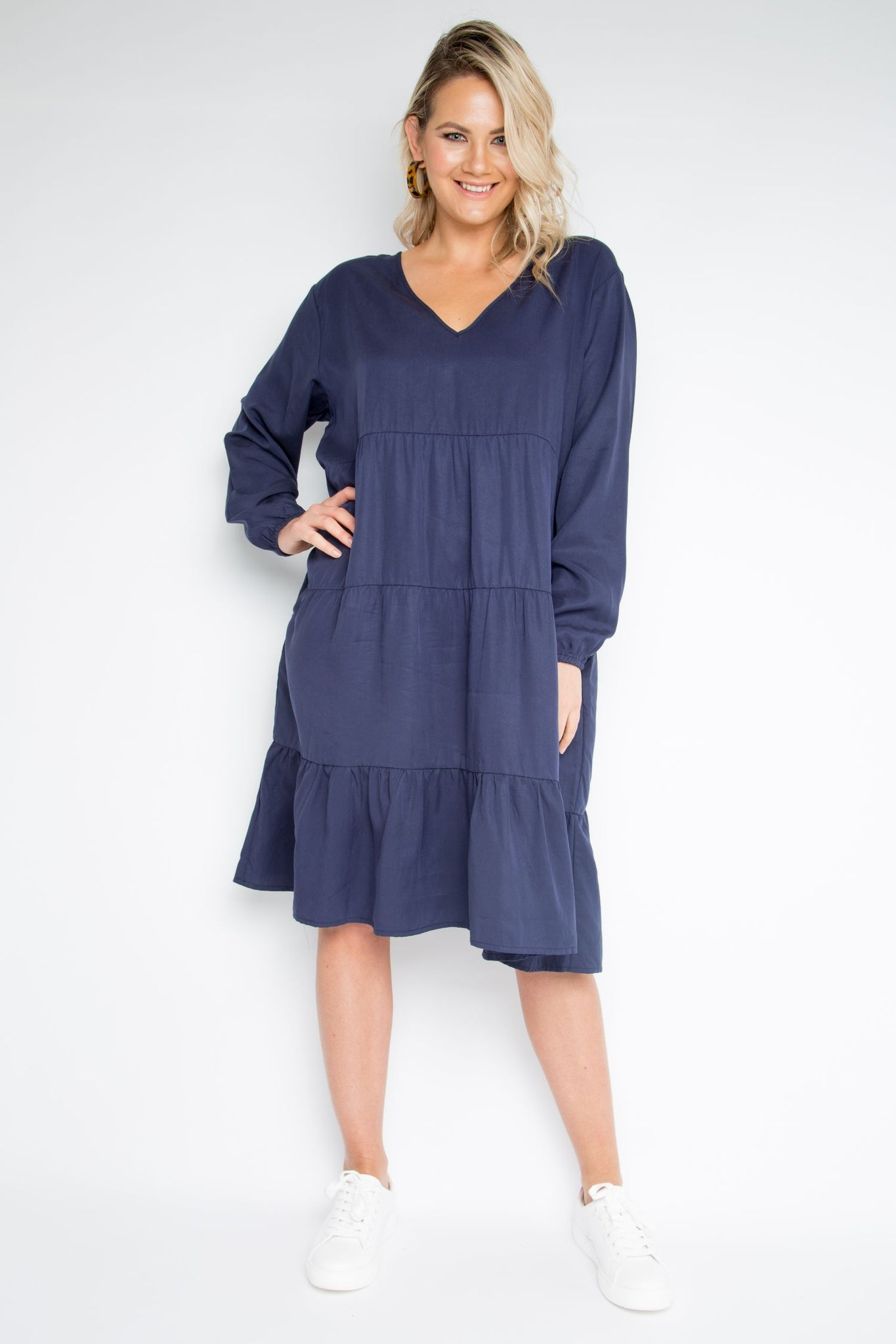 Long Sleeve Chic Dress in Navy (Tencel)