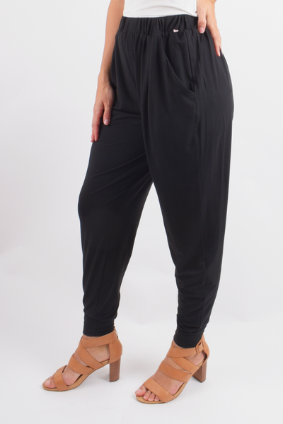 Everyday Pant in Black