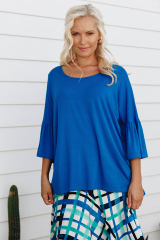 Frill Top in Deep Sea
