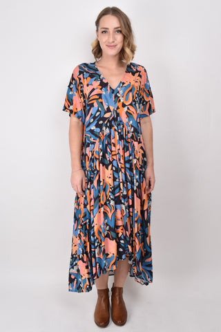 Peak Maxi Dress in Wonderland