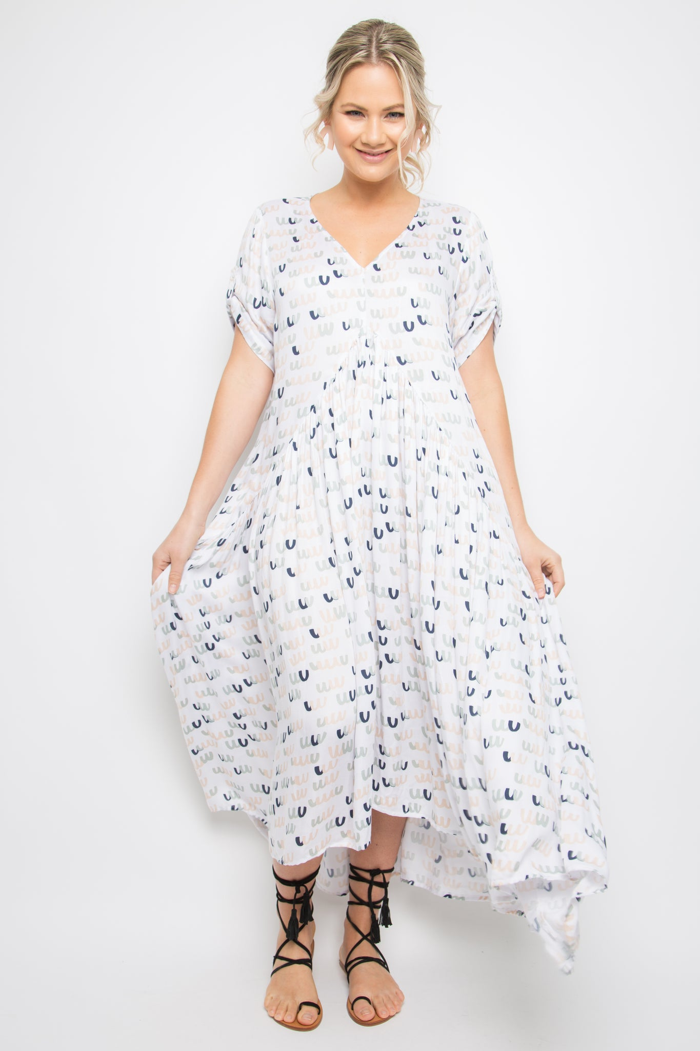 Short Sleeve Peak Maxi Dress in Pastel Poppers