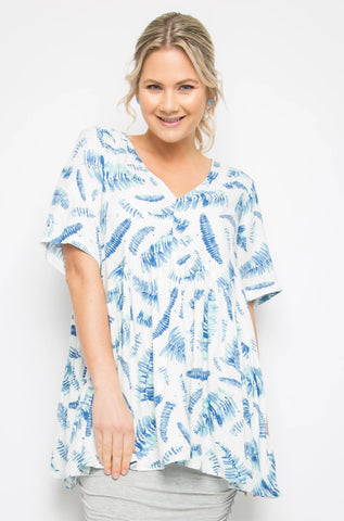 Short Sleeve Peak Top in Garden Palm