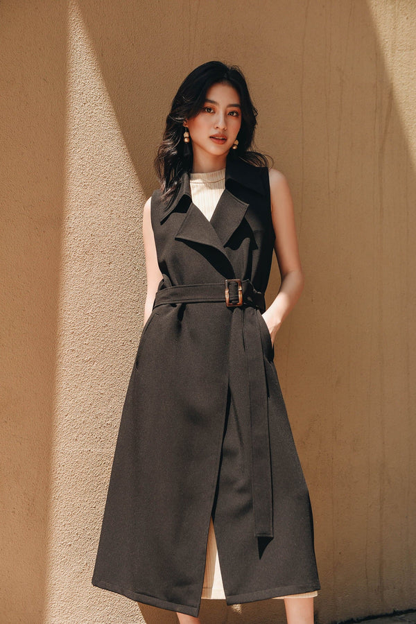 Black Sleeveless Belted Trenchcoat