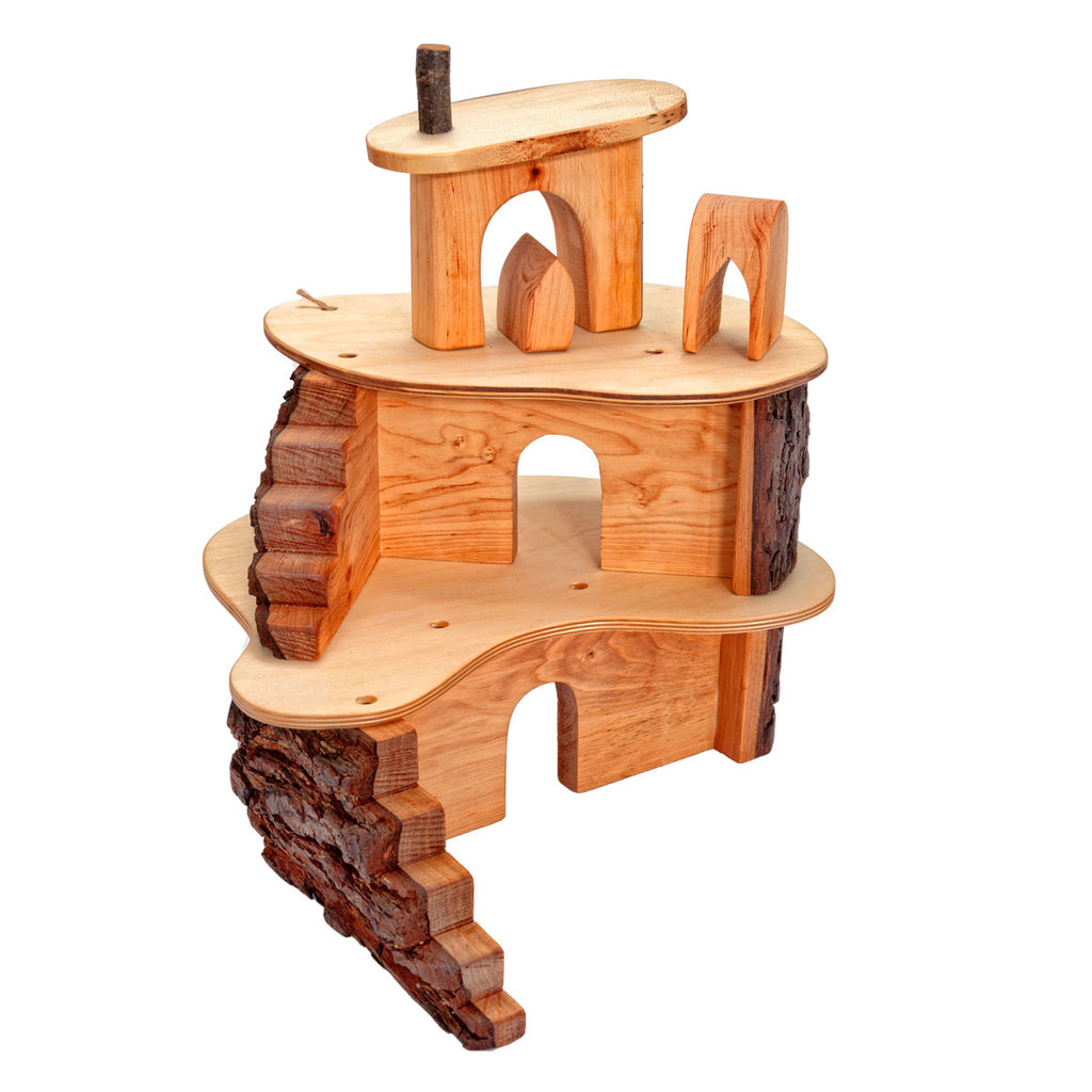 Magic Wood klein boomhuis small tree house langs de ene zijde
