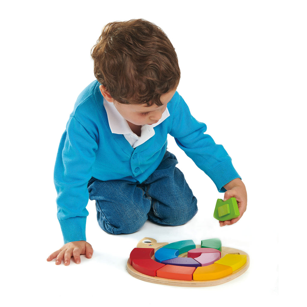 kind speelt met tender leaf toys houten puzzel colour me happy
