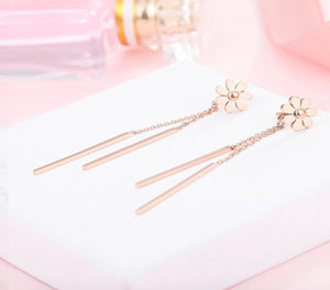 Daisy Dangle Earrings