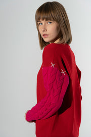 Cashmere V-neck sweater with cable sleeve