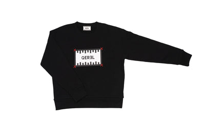 Sweatshirt with hand-stitched Logo label