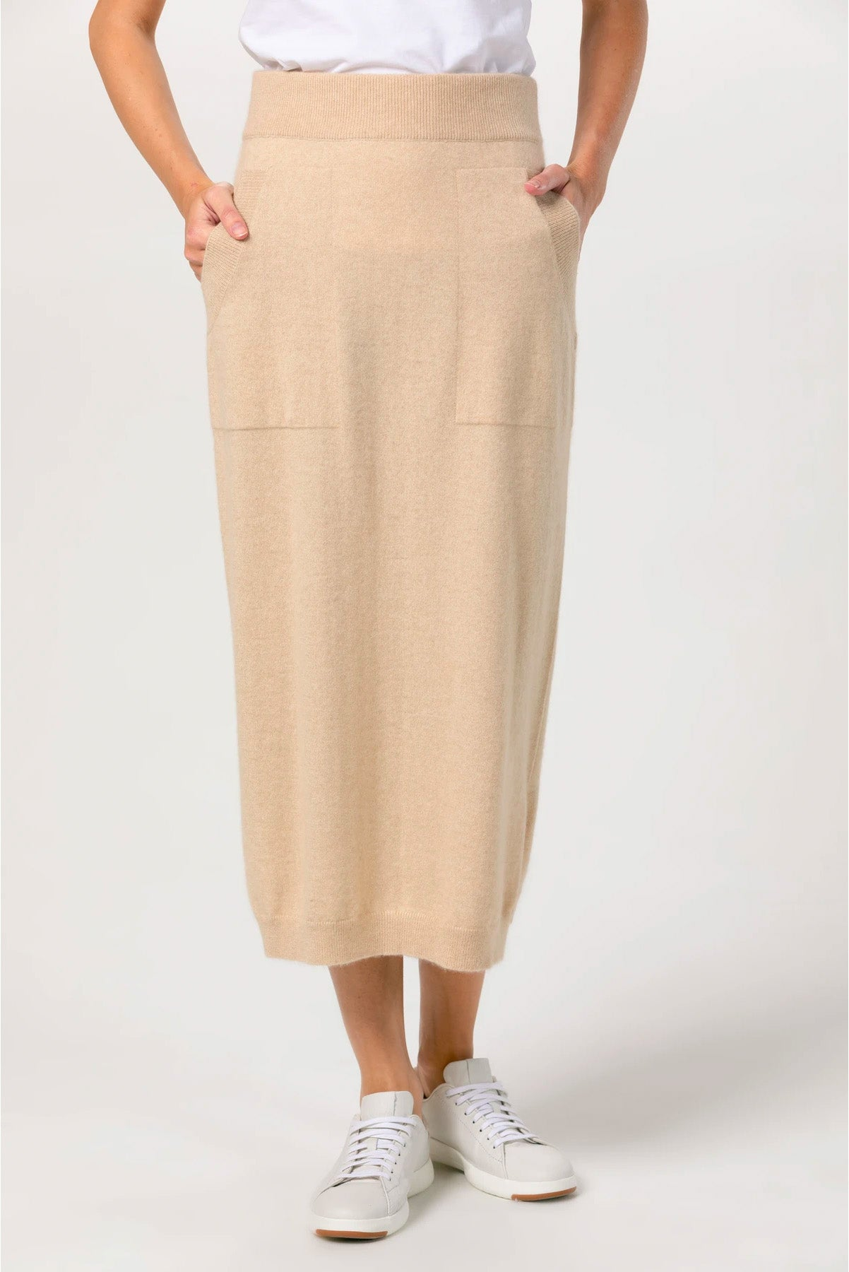 MIDI SKIRT WITH SIDE SLITS