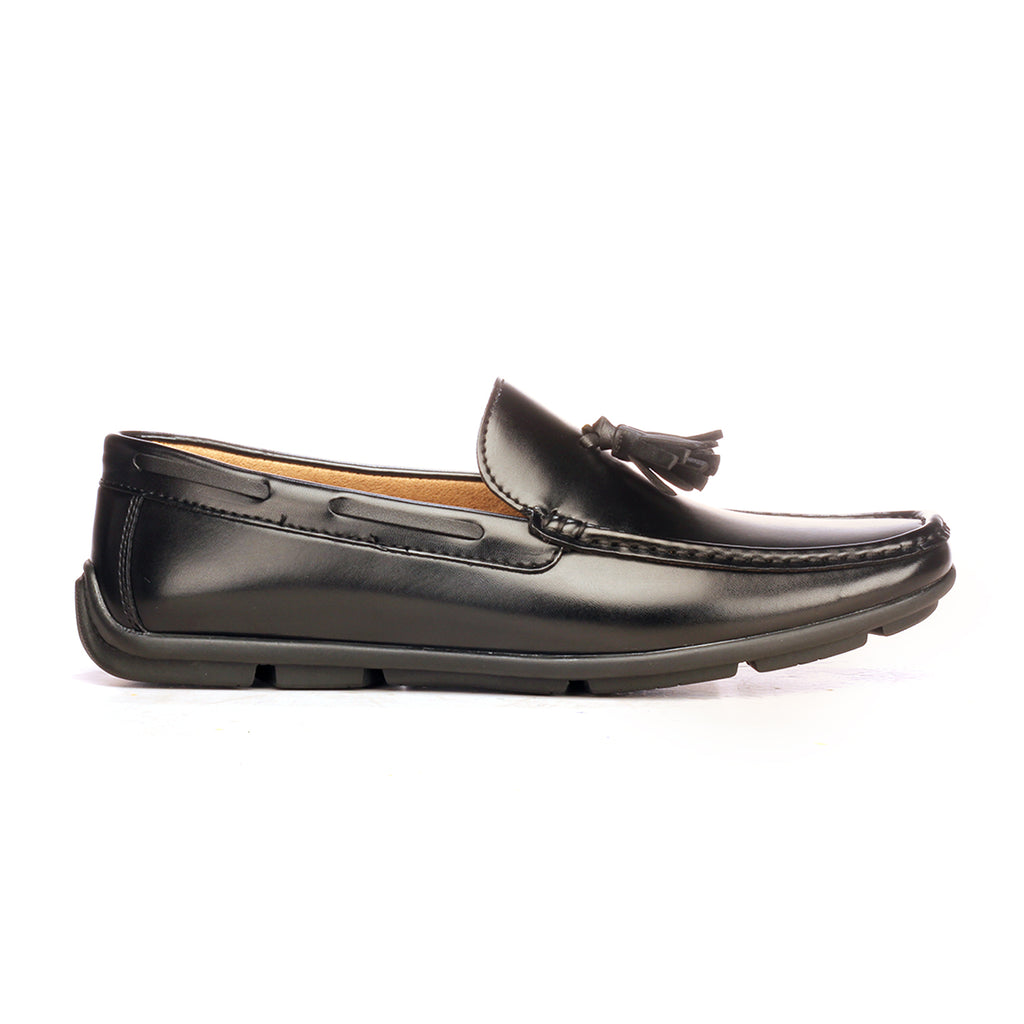 46154bfe548 Pavers England Sleek Tassel Loafer For Men In Black Colour