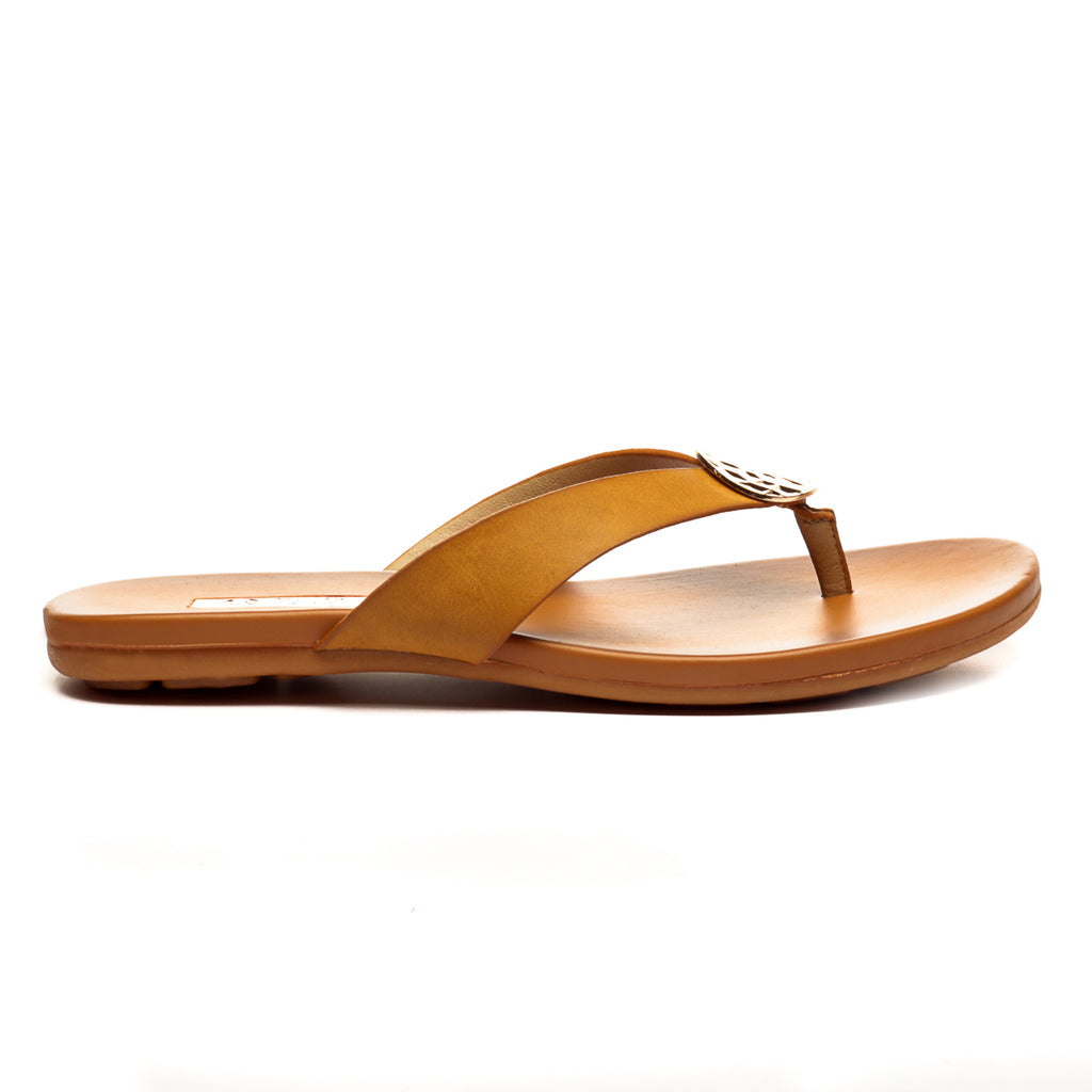 Trendy Black Slippers for Women-Tan - Toeposts - Pavers England