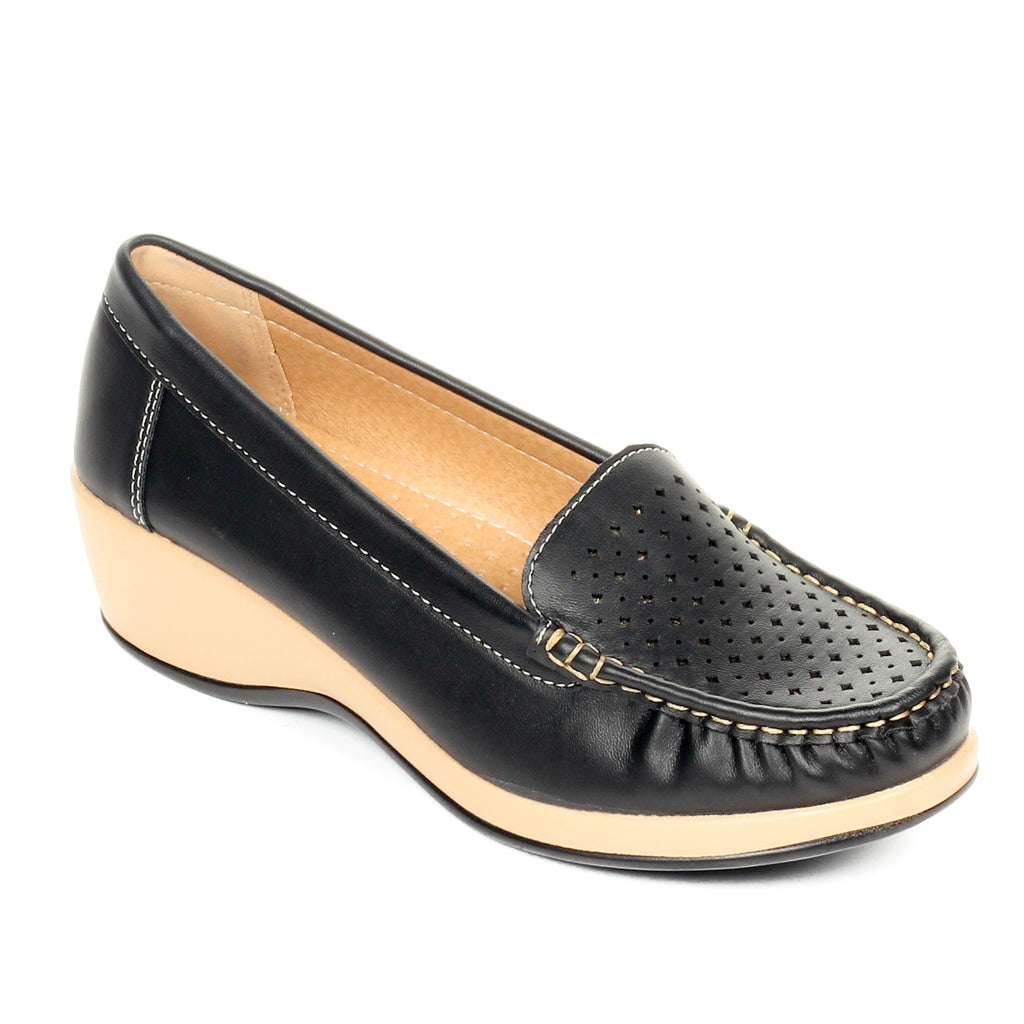 Women's Slip-on Shoe - Full Shoes - Pavers England