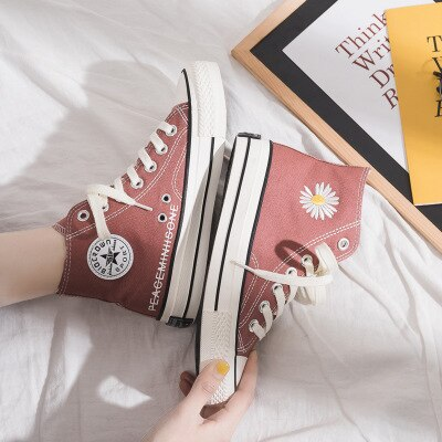 2020 Spring New Stylish Women Shoes Daisy Embroidery Fashion Trends Girl Sneakers Cloth Shoes Flower Yellow High Lace All Match