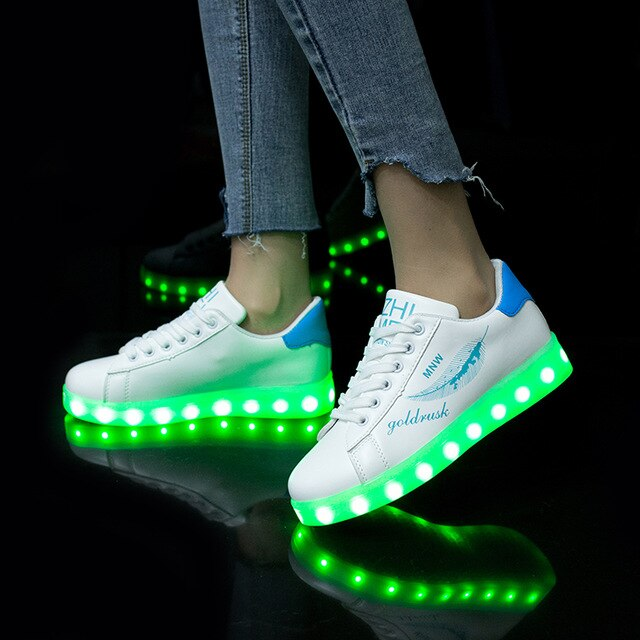 7ipupas 27-44 USB charging Fashion LED Shoe 2018 New Graffiti glowing sneaker for kid boy girl unisex Luminous Light Up Sneakers