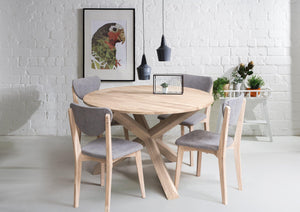 Nordic oak solid wood round dining table