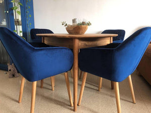 NordicStory Round extendable solid oak wood dining table