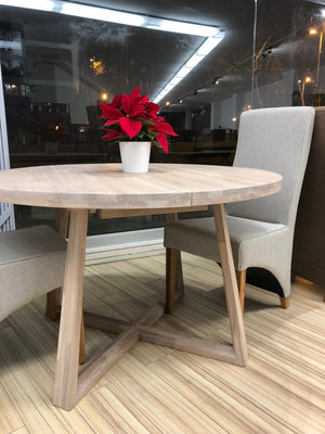 NordicStory Extendable Round Solid Oak Wood Dining Table