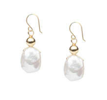 Load image into Gallery viewer, Biwa Pearl Minimalist Earring