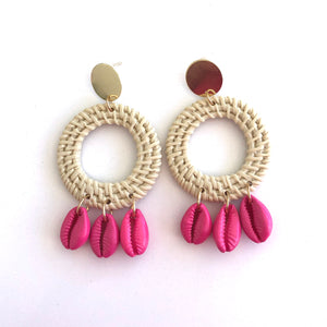 Cleto - Round drop shell earrings