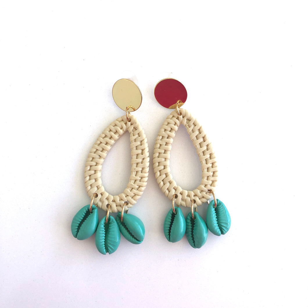 Cleto Oval drop shell earrings