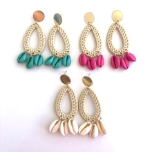 Load image into Gallery viewer, Cleto Oval drop shell earrings