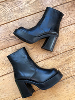 VINTAGE - BOOTS « HIGH HIGHS »