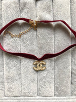 CHOKER EN VELOURS « CHERRY RED »