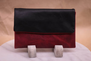 Contrast Oily Pull-up purse