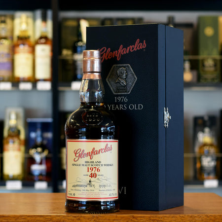 Glenfarclas 'Family Collectors Series VI' 1976 / 40 years old 43