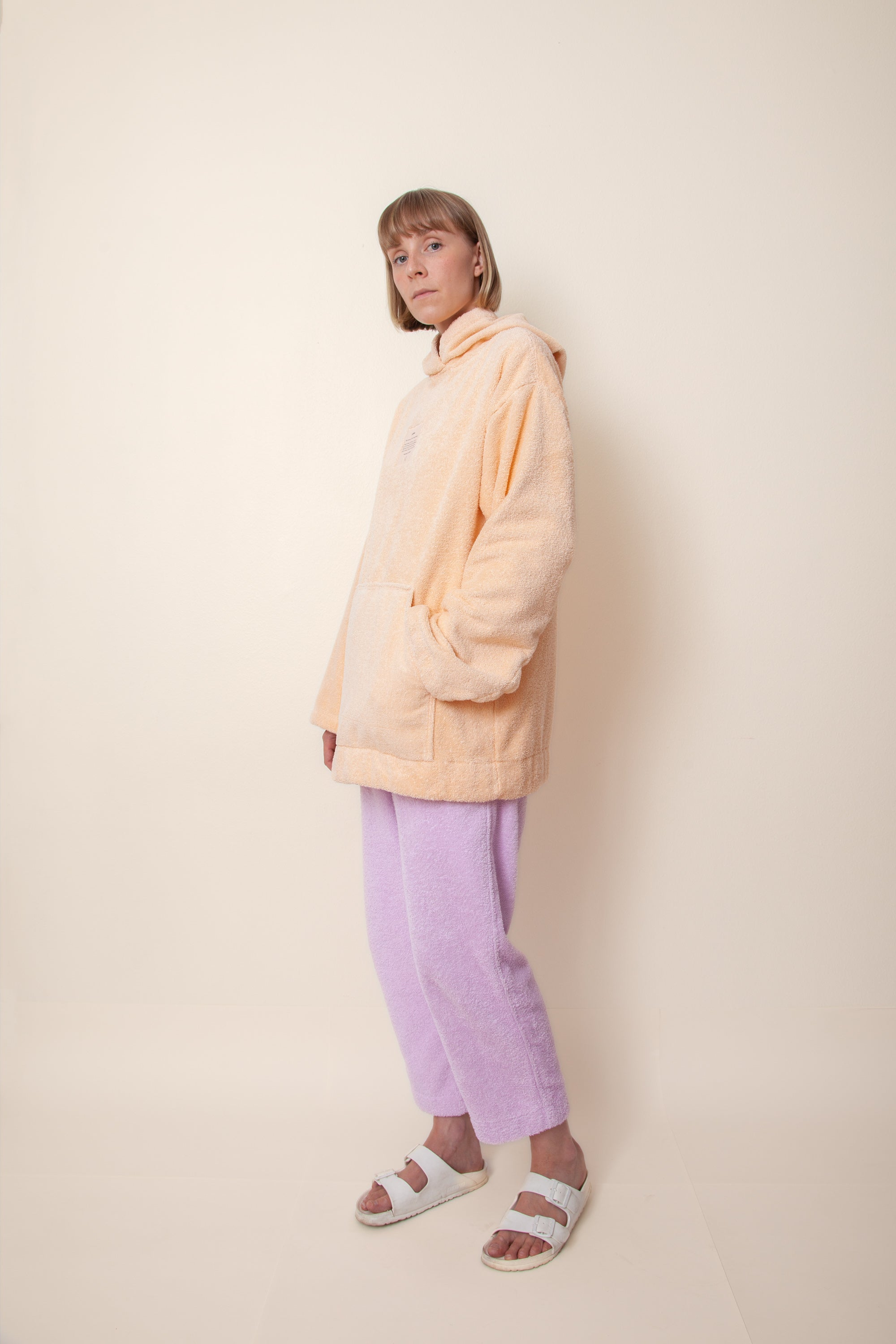 Unisex Regular Terry Hoodie in Peach
