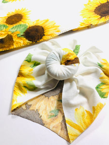 Sunflowers Newborn Swaddle Set|Swaddle+Headwrap Set|Floral Swaddle|Newborn Baby Gifts|Baby Shower Gift|Baby First Outfit|Hospital Outfit