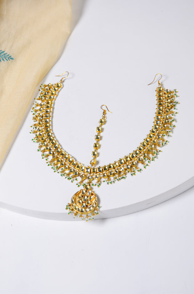 Zoya Kundan Gold Tone With Shell Pearls Mang Tikka