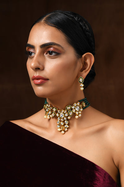Ihita Green Gold Tone Kundan Necklace
